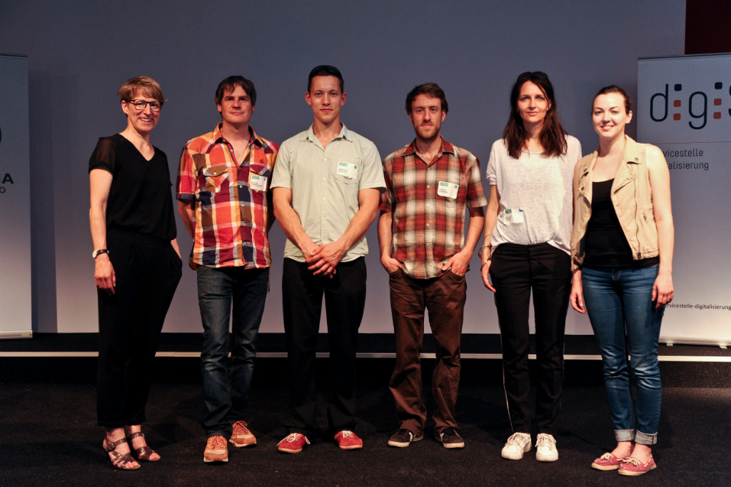 """Das """"Bilder der Revolte""""-Projektteam gemeinsam mit Dr. Ruth Rosenberger"""